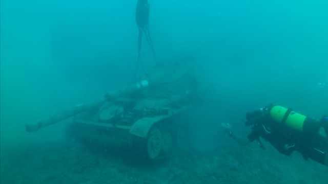 黎巴嫩海底沉坦克:为海洋生物造家