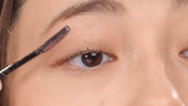 将眼影重生成其它化妆品