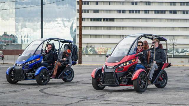 三轮车在城里兜风也能如此有范