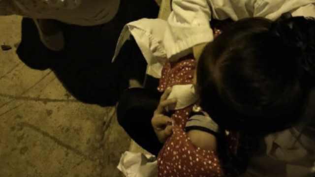 云南通海地震,她救护车上产下男宝