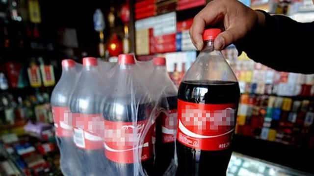 工人不知道配方是怎么加工可乐的?