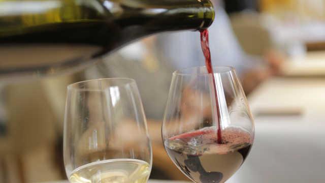 适量酒精有益健康?研究:这事不存在