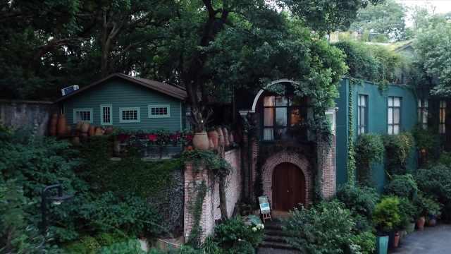 开花店22年,她租别墅打造花园城堡
