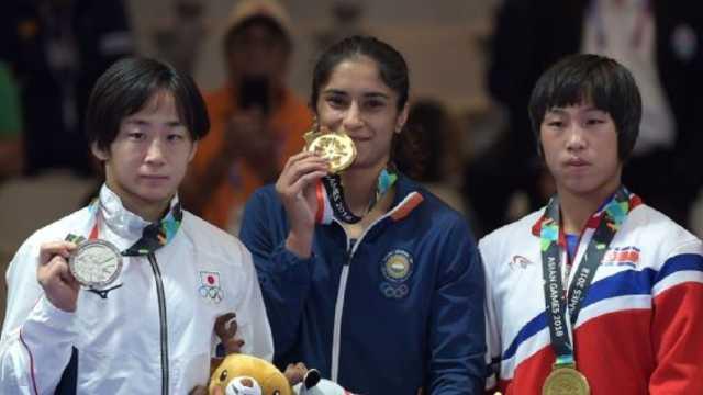 拿下摔跤金牌的印度女人到底是谁?