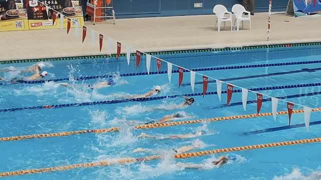体弱男孩泳池苦练4年,成2级运动员