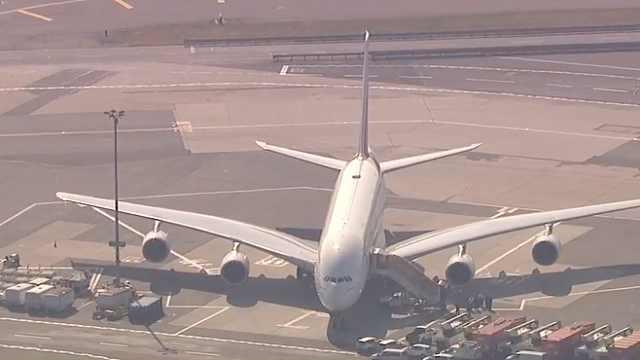 迪拜飞纽约航班10余人不适隔离治疗