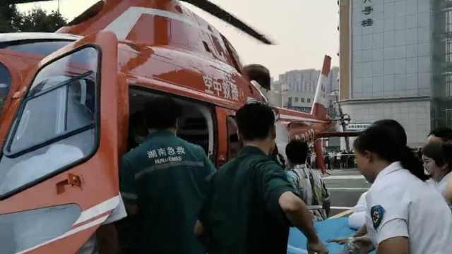 他酗酒引发脑出血,直升机快速转院