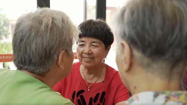 老奶奶6年做6万多个月饼,只为送人