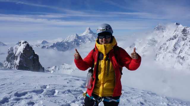 外企女白领登山解压:已两登珠峰顶