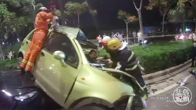 司机被困神志不清,众人大叫不要睡