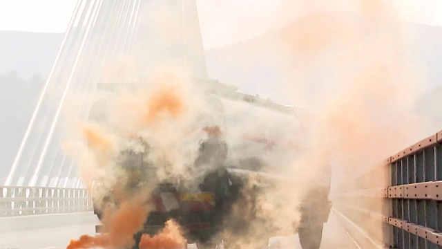 十堰市开展高速危化车事故应急演练