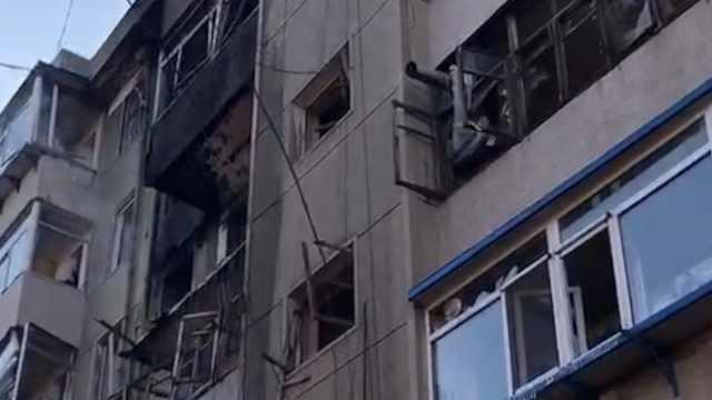 燃气泄露致爆炸,居民:有人跳楼逃生