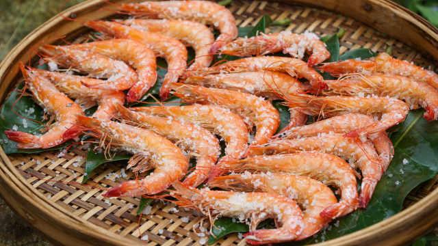 鲜香十足,回味无穷的盐焗大虾