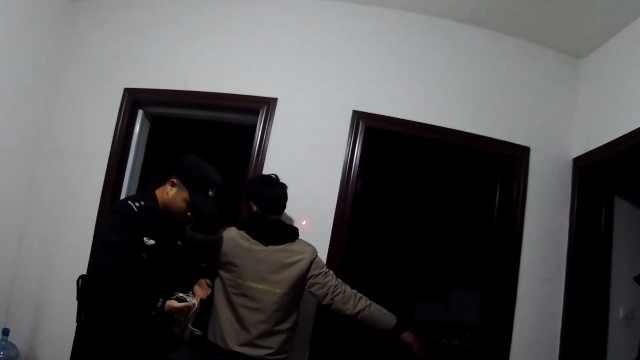 男子入室盗窃被抓,屡屡上演苦情戏