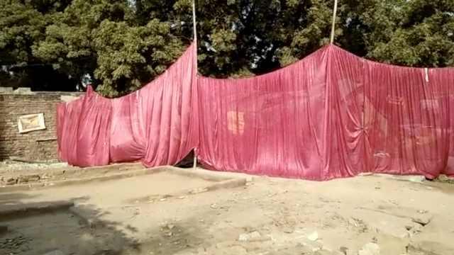 总理到访,印度贫民窟被装帘子遮穷