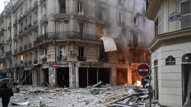 巴黎市中心剧烈爆炸,整条街遭破坏