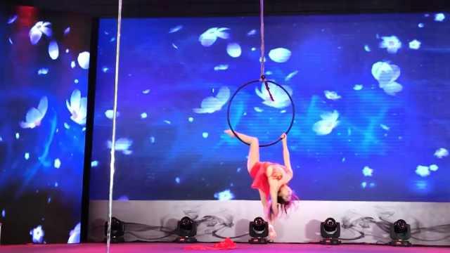 90后女孩自学空中舞蹈,登央视舞台