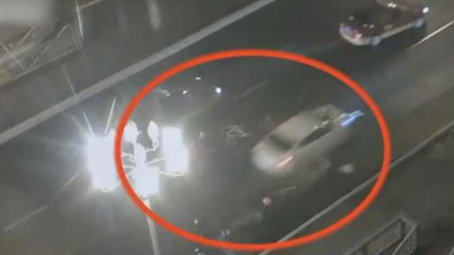 女孩下车扶老人被撞去世,监控曝光