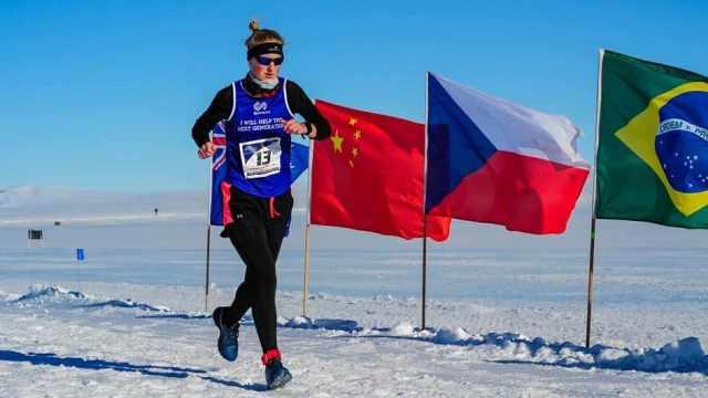 她7天7大洲跑7个马拉松,创世界纪录