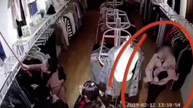 女婴服装店内被抱走,竟是熟人作案