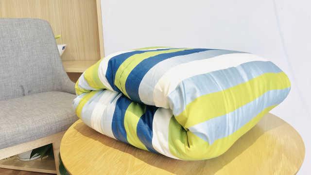 两种叠棉被的方法