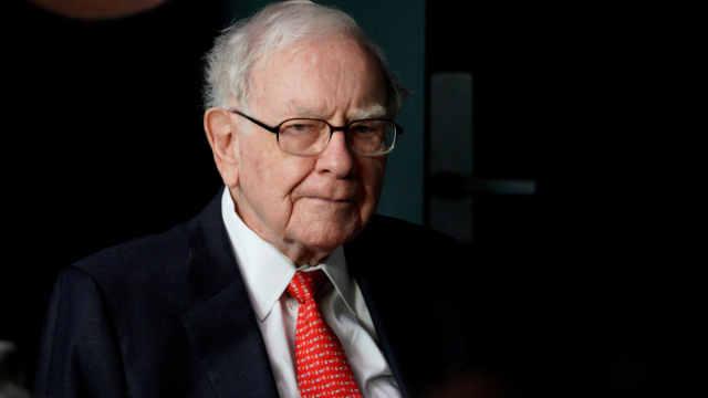 巴菲特:现在不买也不卖苹果股票