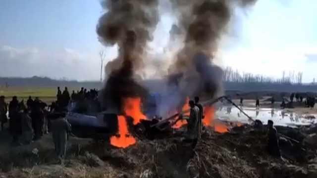 巴方击落两架印度军机,飞行员被捕