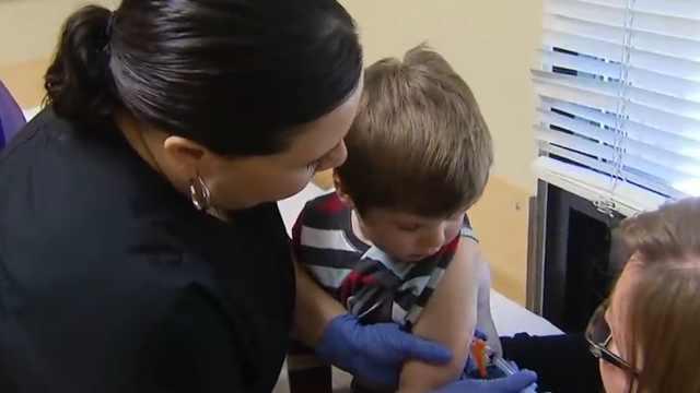 美爸妈反疫苗过头,娃自己预约接种