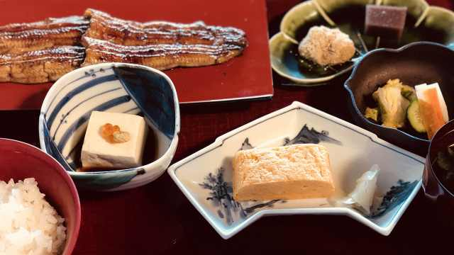 日本天皇吃饭竟然不管饱?