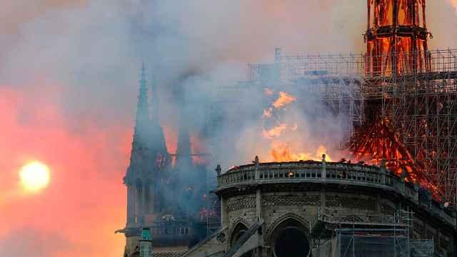 圣母院大火非纵火,已开展刑事调查