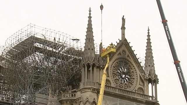 裝修工人曾在巴黎圣母院建筑內抽煙