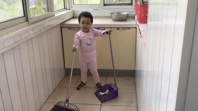 3岁娃患白血病,父送快递挣钱磨破脚