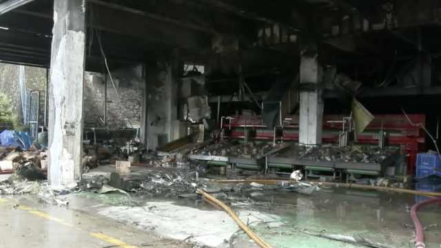 仓库内电焊引大火,圆通网点被烧毁