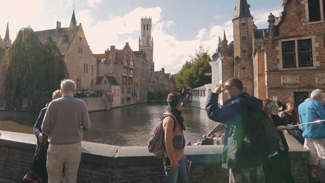 游客太多!比利时网红城市限流了