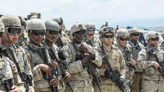 美国宣布向中东增兵1000人回应伊朗
