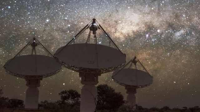 36亿光年!人类定位快速射电暴起源