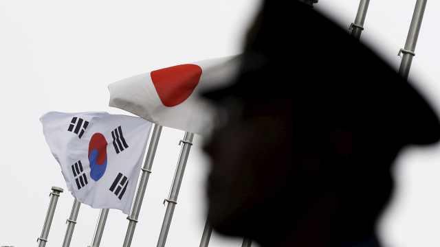 韩国慌了!日本发难韩国最强产业