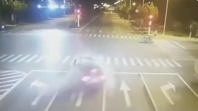 她醉驾玛莎拉蒂撞人后撞9车,2死4伤