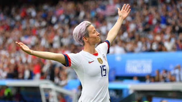 美女足世界杯卫冕,网友喊她当总统
