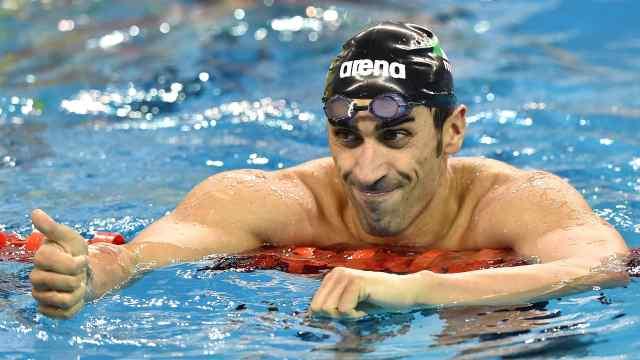 比救生员还快!世界冠军救下溺水者