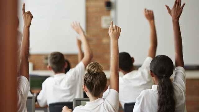 英国威尔士新规:校服不再区分性别