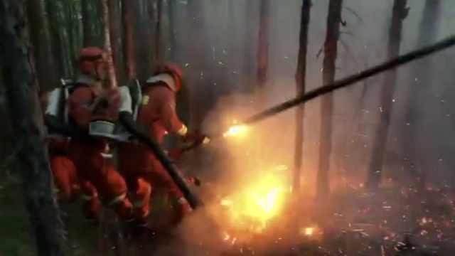 大兴安岭1天2起山火,消防空降救援