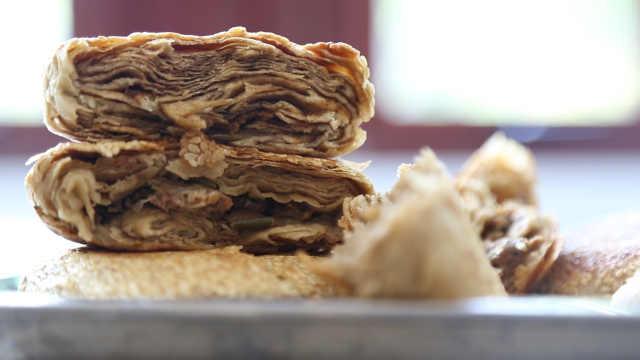 一天卖上万个的烧饼到底有多好吃?
