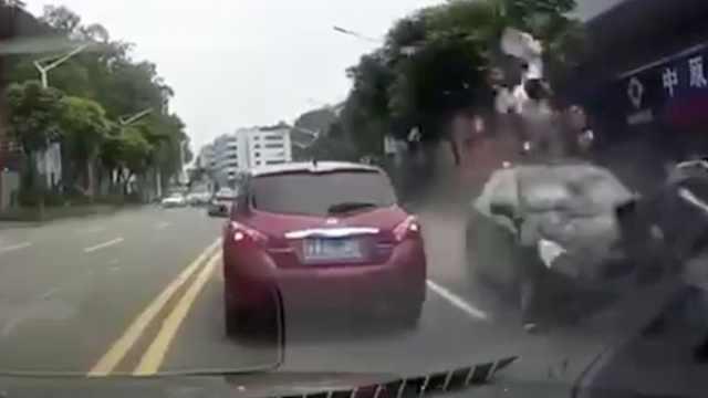 小车逆行撞飞摩托车,排除酒驾毒驾