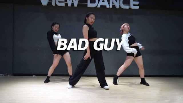 晓雨翻跳《Bad guy》潇洒迷人