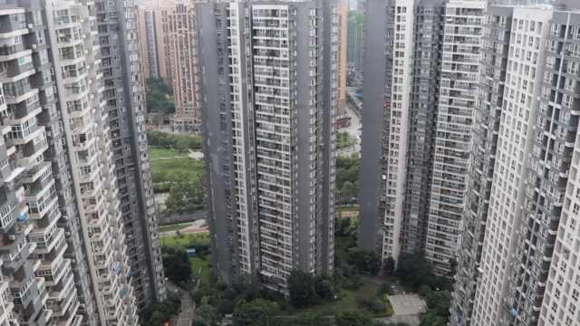 成都万人小区如蜂巢,电梯挤被吐槽
