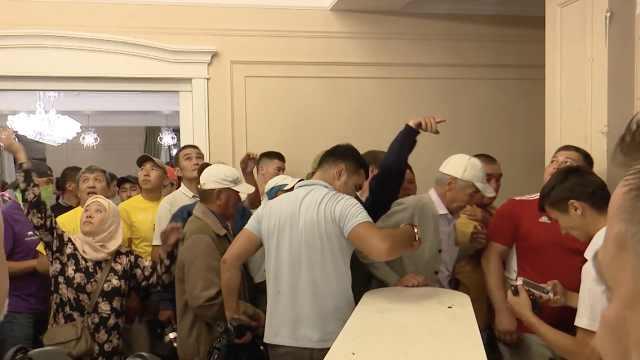 吉尔吉斯斯坦抓捕前总统强攻其别墅