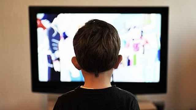 报告:2022年25%美国家庭不看电视