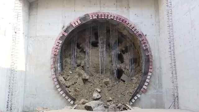 郑许市域铁路地下左线贯通