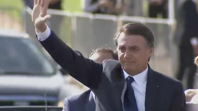 巴西总统宣布:派军队救亚马逊雨林